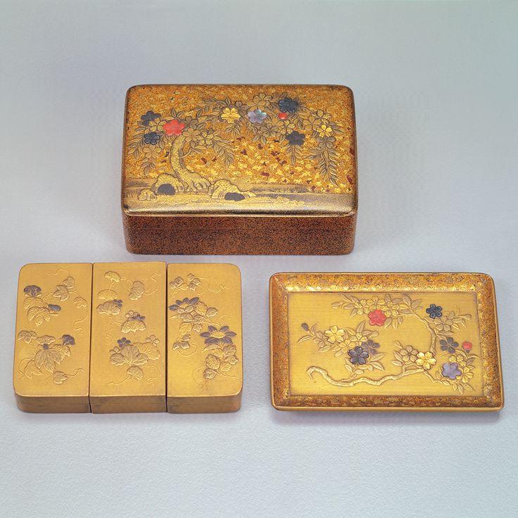 国立故宮博物院-コレクション > セレクション > 珍玩 > 桜蒔絵方形小套盒