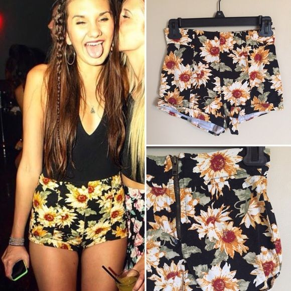 High Waisted Sunflower Shorts Adorable high waisted sunflower shorts from PacSun brand LA Hearts. Size 00, seen here on a size Small due to the stretchy nature of the shorts. Zipper in back. LA Hearts Shorts