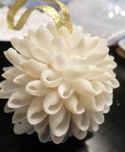 DIY Christmas ornaments using bubble shells tutorial