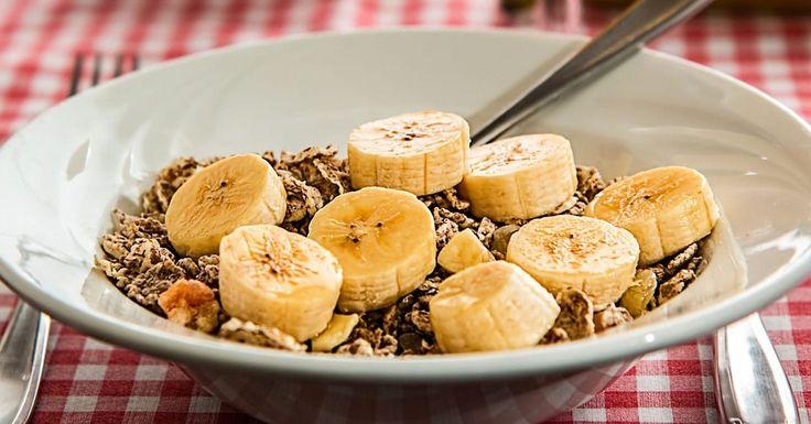 Paras tapa jäädyttää banaanit smoothien, banaanileivän ja muiden herkkujen valmistusta varten.
