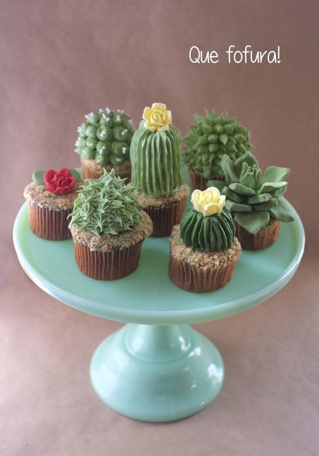 bandeja de cactos em forma de cupcake
