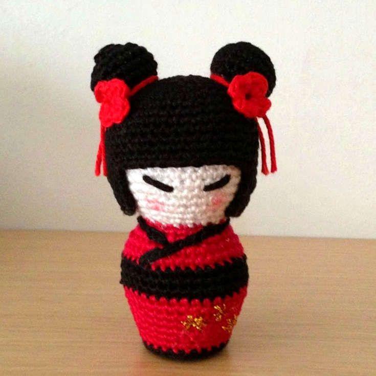 http://wixxl.com/kokeshi-doll-pattern/ Free Kokeshi Doll Amigurumi Pattern