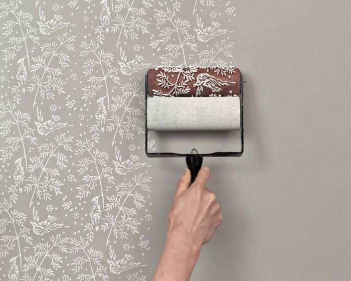 Tips for using patterned paint rollers - DIY: an Economical Wallpaper Alternative by Justine Hand | remodelista.com