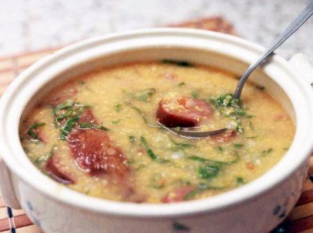 Sopa de Canjiquinha - Veja mais em: http://www.cybercook.com.br/receita-de-sopa-de-canjiquinha.html?codigo=5549