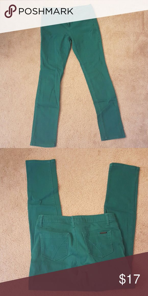 KENNETH COLE SKINNY JEANS Super cute teal Kenneth Cole skinny jeans sz 29, jeans worn once, look brand new. Jeans do have stretch to hug your curves!! Kenneth Cole Jeans Skinny