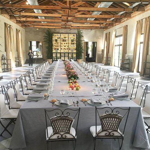 Espectacular mesa la de ayer en la presentación de la nueva colección de joyas de Joyería Suárez en la Finca Las Tenadas con flores de La Sastrería de las Flores #suarezcompromiso #joyasboda #boda #bodas #unabodaoriginal http://www.unabodaoriginal.es/blog