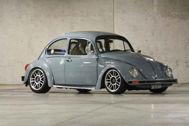 Beautiful shiny blue VW Bug <3