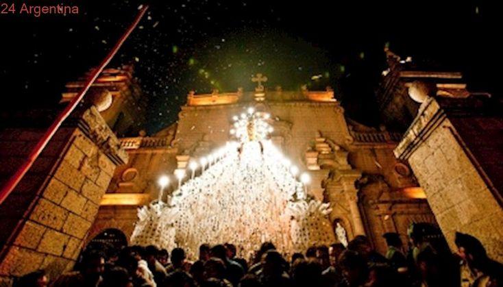 """La semana santa en Ayacucho, la """"ciudad de las iglesias"""", se celebra al resguardo de los Andes"""