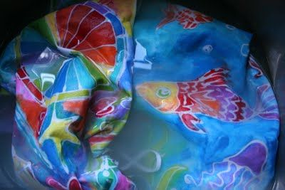 how to batik fabric with elmer's glue! This site also has other great art ideas!