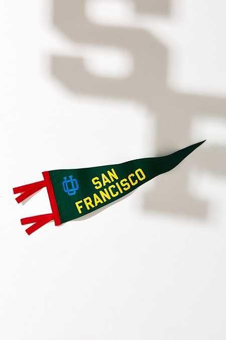 UO Souvenir San Francisco Pennant