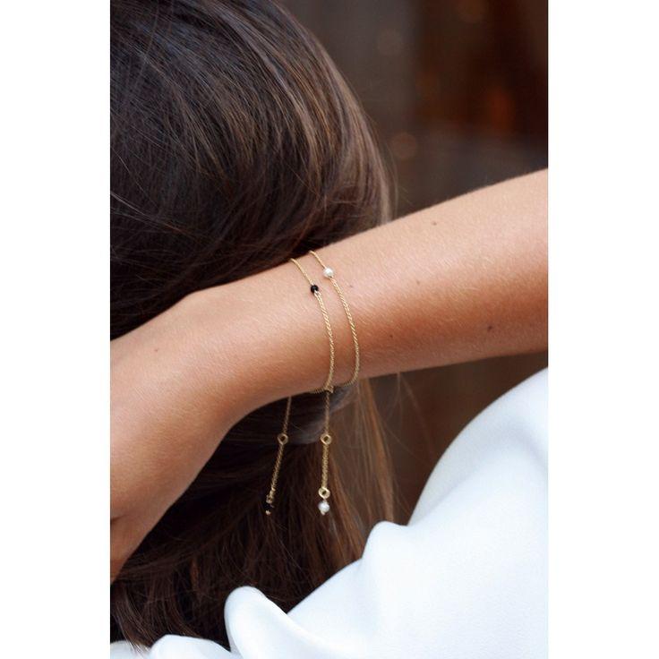Bracciali minimal sottili in oro con agata nera, turchese, corallo o perla centrale _ maschio gioielli milano