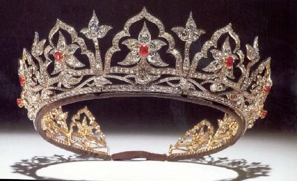 Jewellery of the British Royal Family