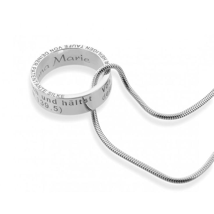 Eine schöne, personalisierte Kette aus 925 Sterling Silber. An der Kette hängt ein Anhänger Ring mit Ihrer gewünschten Gravur. Umlaufend ist folgender Taufspruch auf den Ring graviert: