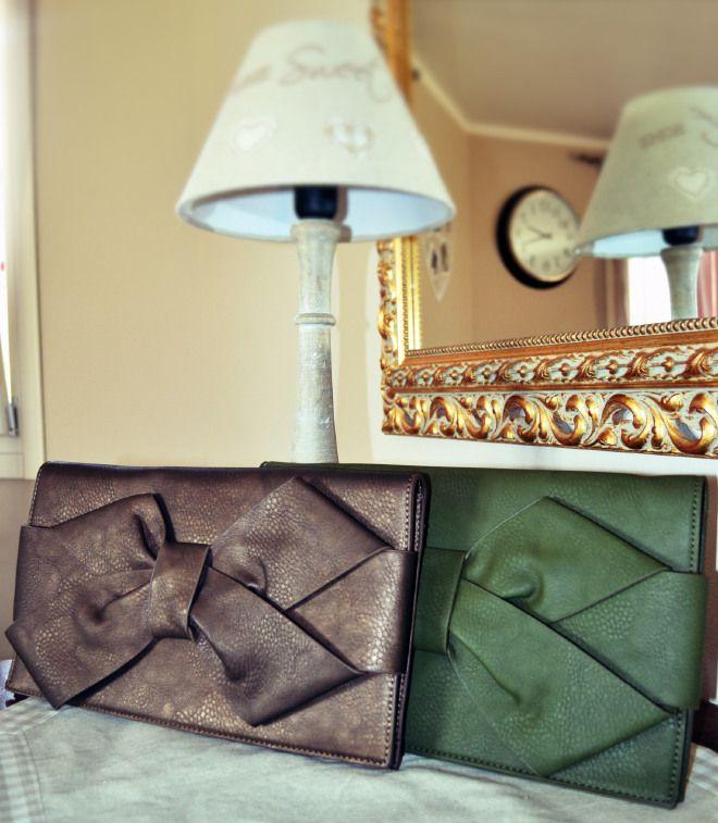 Clutch with Bow/ Pochette con fiocco #bags