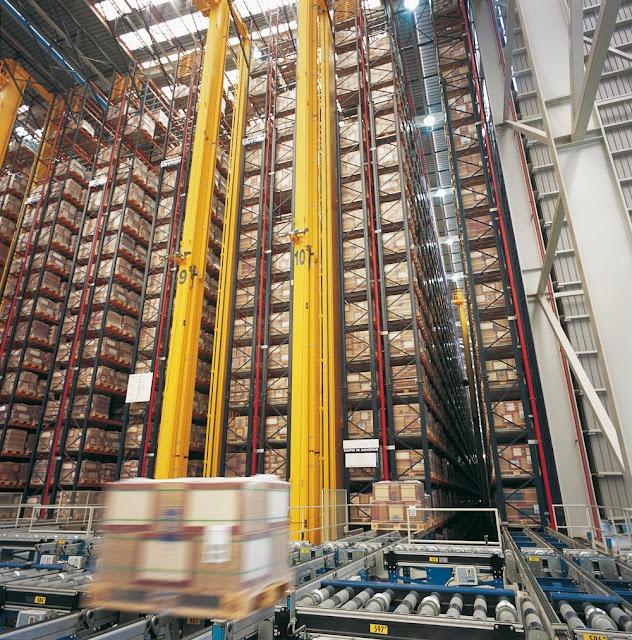 Centraal magazijn Porcelanosa, 100.000 palletplaatsen,.......goed voor meer dan 5.000.000m2