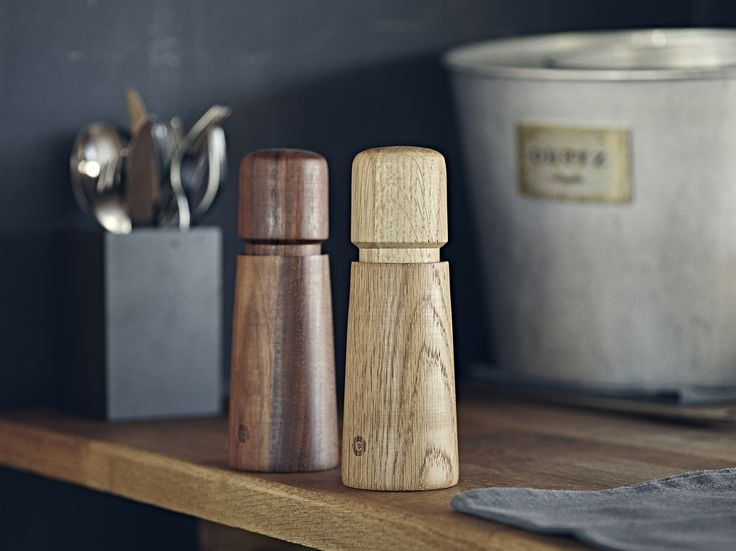 Stockholm mill with No Spill feature, available in oak and walnut