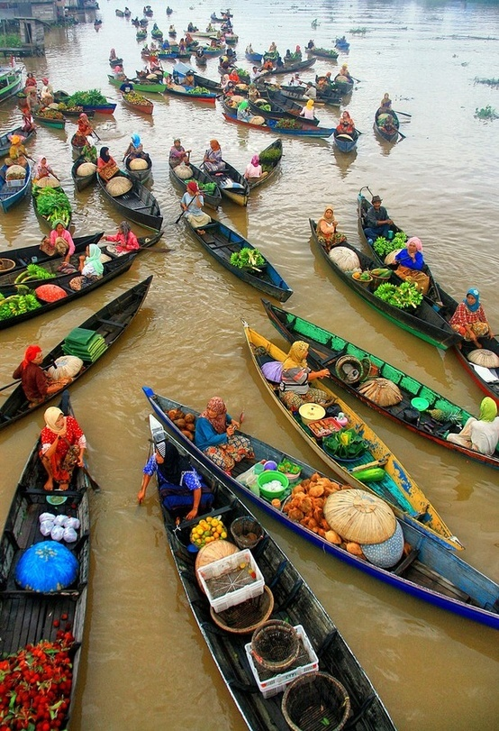 Floating market, Kalimantan Indonesia