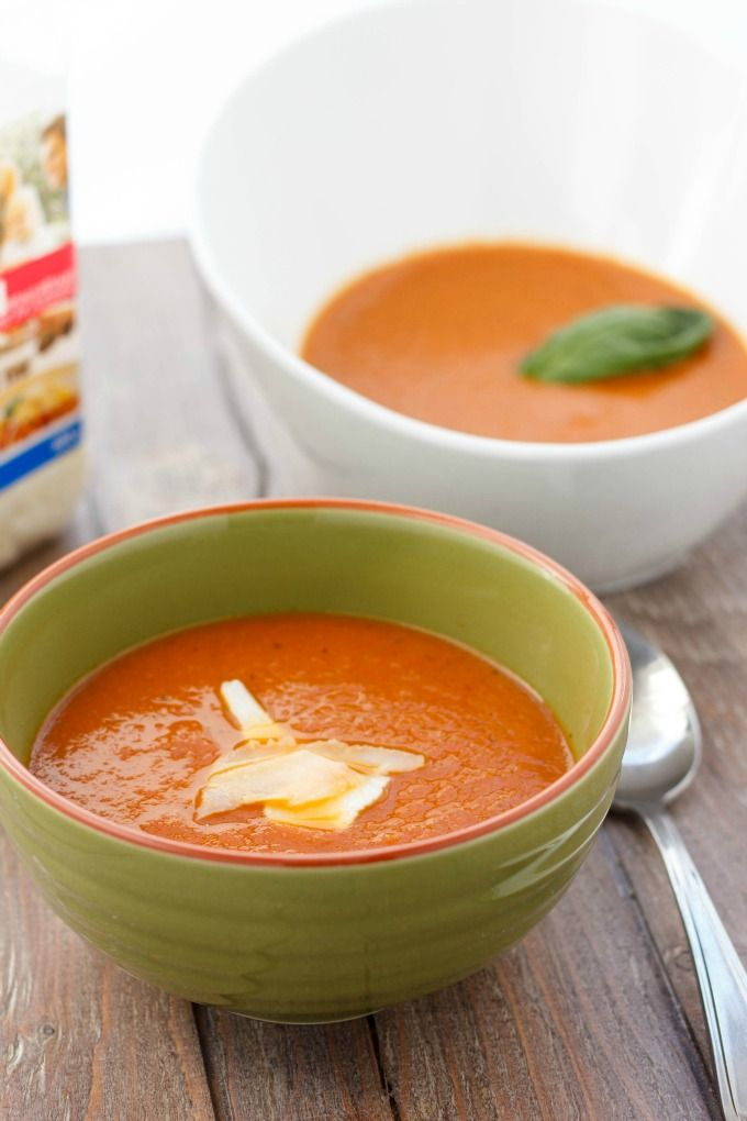 Put away that canned tomato soup, because this roasted tomato and garlic soup is rich, tasty, and so easy! Vegan, gluten-free, and positively healthy!