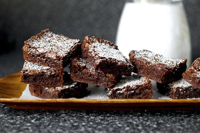 one-bowl, chewy-fudgy brownies by smitten, via Flickr
