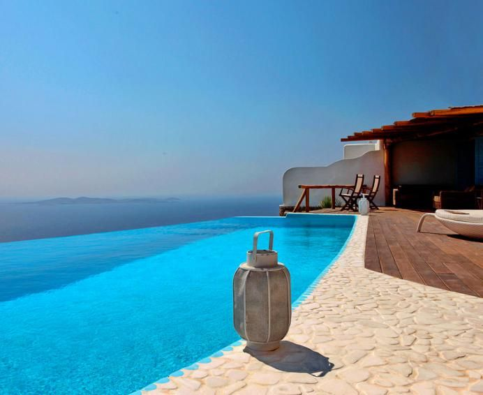 The Royal Villa with stunning seaview and pool, six bedrooms in quiet location near to Mykonos town with helipad
