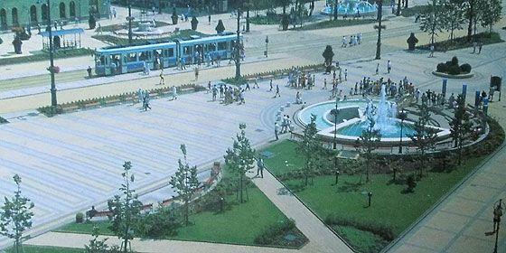 A megújított főtér korabeli képeslapon