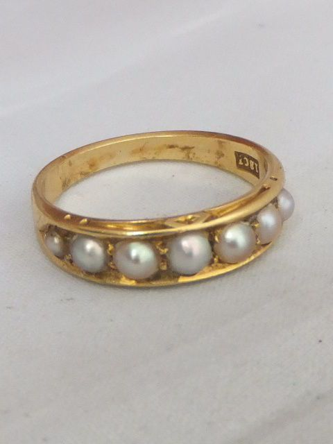 Fine Victorian 18ct gold 7 stone seed Pearl ring