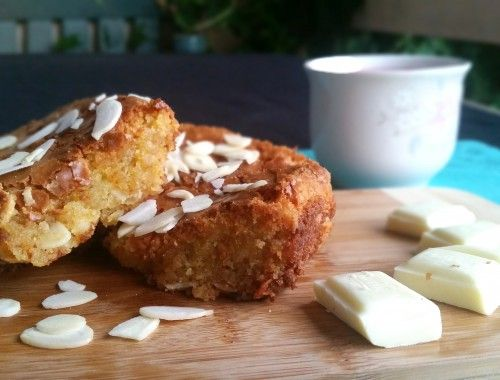 Gooey white chocolate brownie recipe - delicious and simple.
