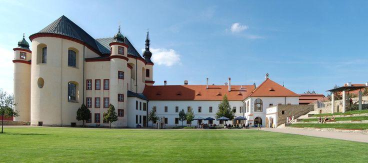 Litomyšl, klášter s částí zahrady