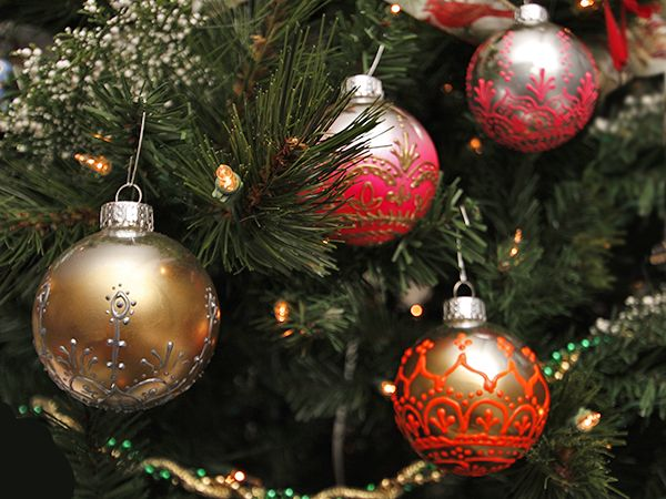 81 best seasonal goodies images on pinterest christmas time cards diy ornaments image via andrea fairservice holidaydecor trim solutioingenieria Choice Image