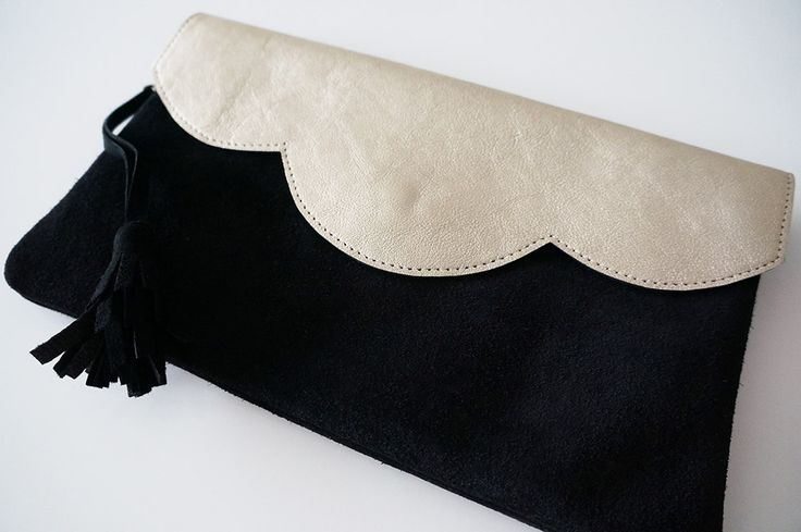 """Pochette """"Mila"""" en cuir bicolore or et noir avec chaîne"""