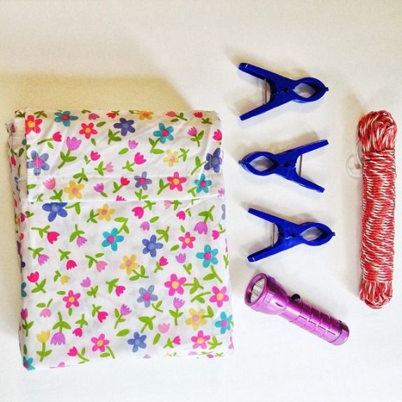 How to Make a Fort Building Kit - Great way to inspire plenty of imaginative playtime fun!!
