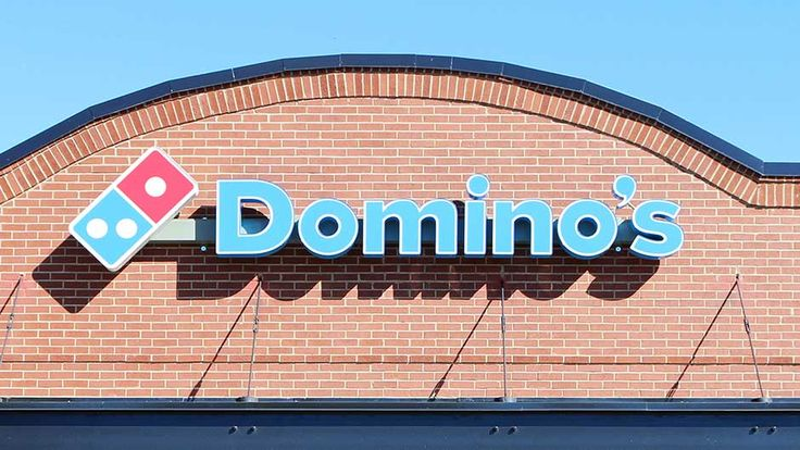 """Join 5 people right now at """"The One Pizza Topping You Should Never Order At Domino's, According To An Employee """""""
