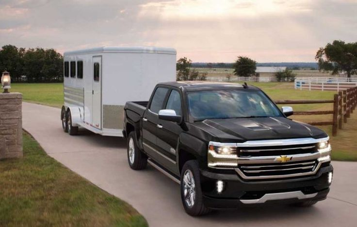2018-Chevrolet-Silverado-1500-towing