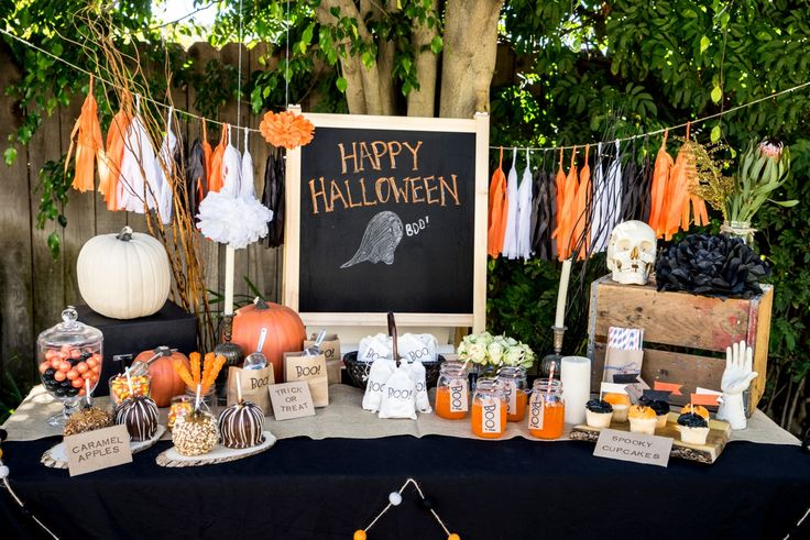 20 Stylish Halloween Décor and Party Ideas - Glitter, Inc.Glitter ...