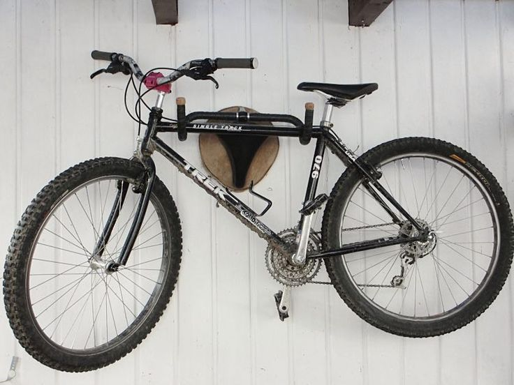 DIY-Anleitung: Wandhalterung für Fahrräder aus altem Rennradlenker und Sattel selber bauen via DaWanda.com