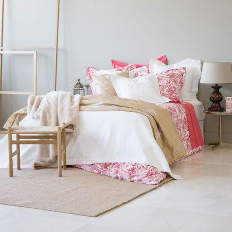 couvre lit jacquard volant zara home our room pinterest couvre lit couvre et jacquard. Black Bedroom Furniture Sets. Home Design Ideas
