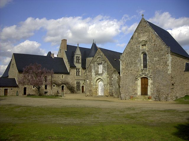 Étriché, Maine-et-Loire. Pop: 1541