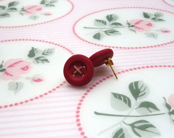 Earrings with red buttons handmade polymer clay - Orecchini con bottoni rossi in fimo fatto a mano