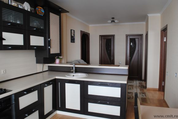 Кухня-студия в двухкомнатной квартире