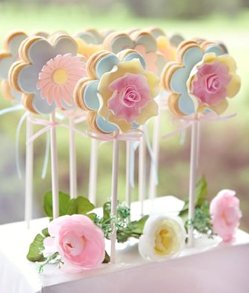 Beautiful spring flower cookie pops by Kiss Me Kate.
