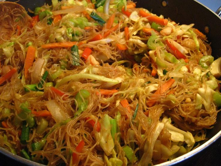 Pancit Bihon Recipe | This is one of Philippine's famous dish ... PANCIT BIHON.