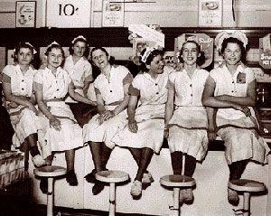 Magazino1: Παγκόσμια Ημέρα της Γυναίκας: Η ιστορία της 8ης Μα...