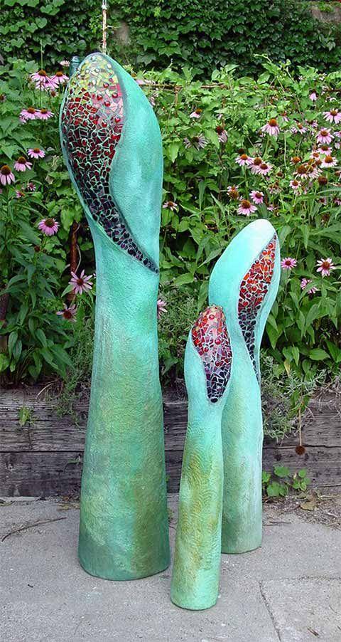 Cement garden sculpture. Gartenskulptur Mosaik,Beton,wetterfest.