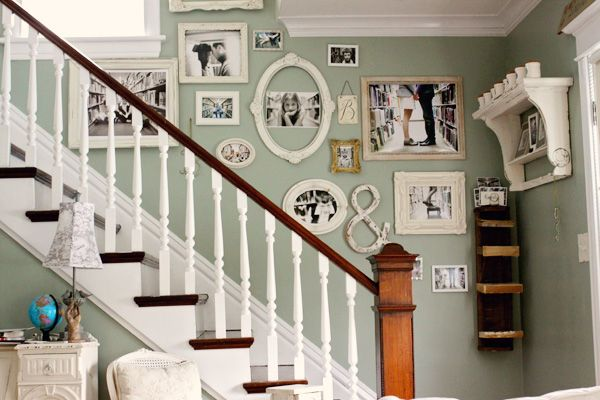 Photo WallDecor, Wall Colors, Ideas, Stairs, Photos Wall, Families Photos, Gallery Wall, Pictures Frames, Pictures Wall