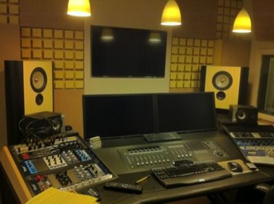 Spotlight Reclame installs Grimm Audio LS-1's  Completely installed and designed by iDeal Audio & iDeal Acoustics   The second 'full Grimm Audio' studio in the Benelux, with LS1's, CC1 Masterclock, TPR-cable and even the Grimm Audio LevelView Loudness Software