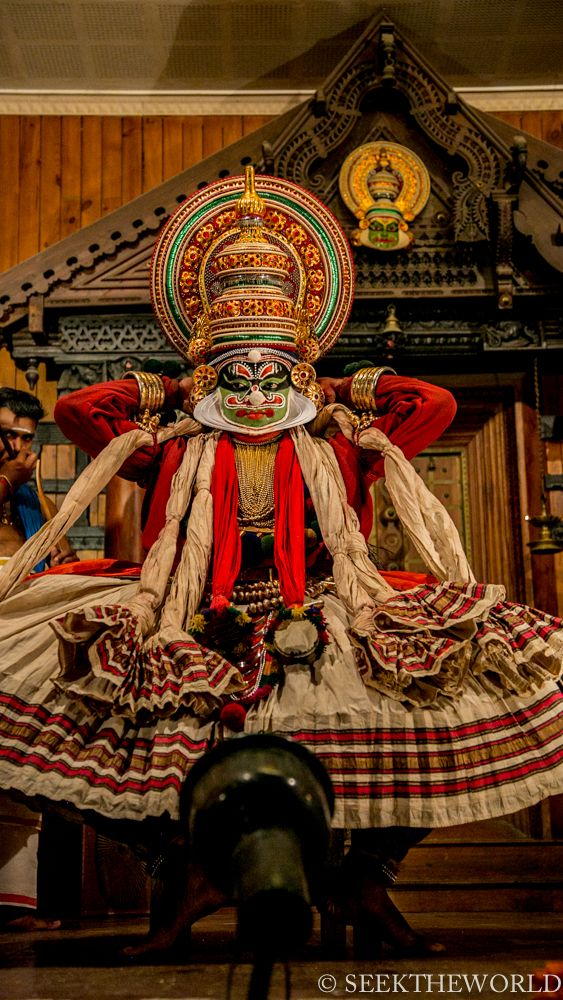 Kathakali: India's Oldest Dance Performance with Traits from the Deaf culture