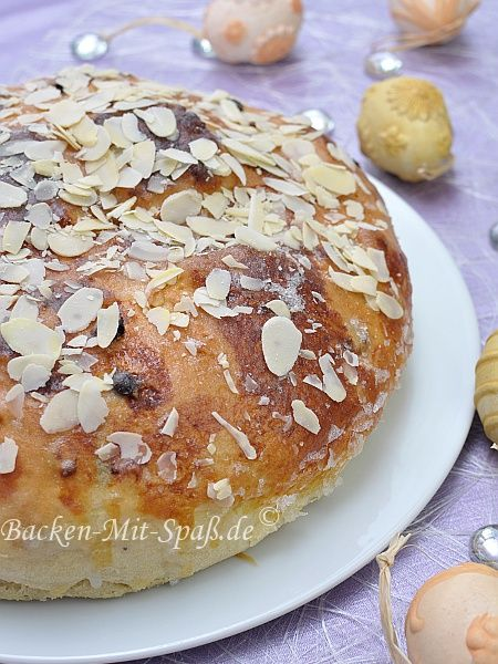 Osterfladen (traditional German Easter cake)