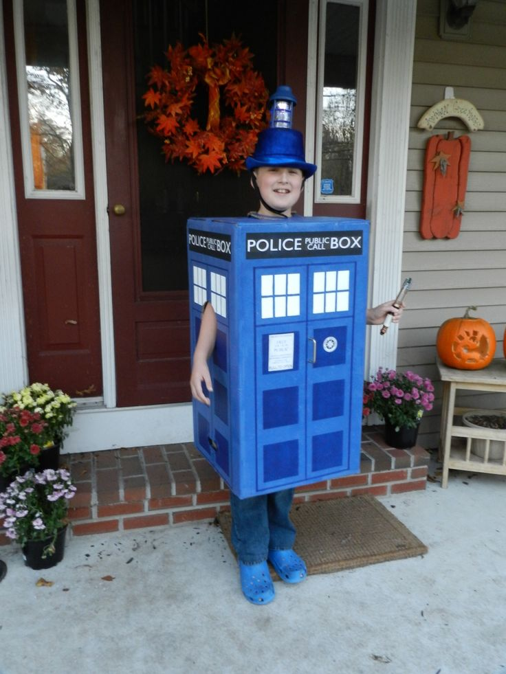 I'm sure that, years from now when I have my own kids, I'll get them so addicted to the show that one of them will one day dress up as a TARDIS. Yup.
