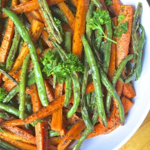 Roasted Green Beans and Carrots with Za'atar. A lovely and flavorful spiced side of veggies. MMM!