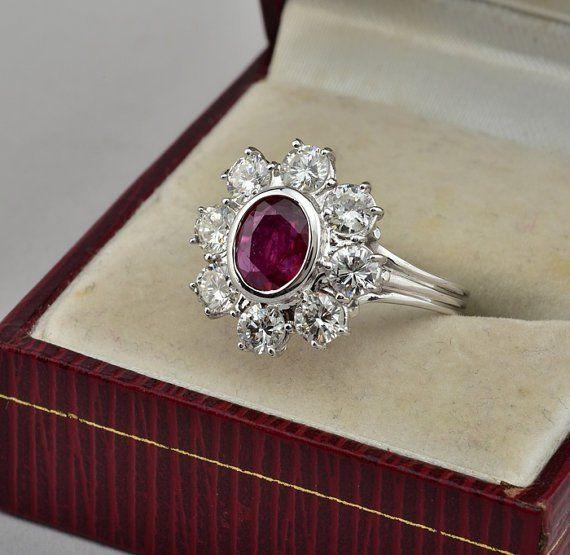 Anillo de compromiso con diseño vintage con piedra en color rosa